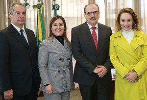 Juiz Paulo Boal, desembargadores Ana Carolina Zaina e Arnor Lima Neto e a presidente do IPCC, Laura Pereira Alves